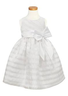 Adorable (and Affordable) Dresses for your Flower Girl