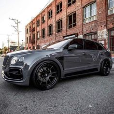 Tremendous SUV austinjrivers Bentley Bentayga Startech Widebody on our in Duo Black end Sho Bentley Auto, Suv Cars, Car Car, Sport Cars, Top Luxury Cars, Luxury Suv, Bentley Brooklands, Bentley Continental, My Dream Car
