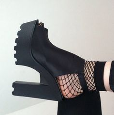 Lovely Shoe For This Fall Outfit. 29 Stunning Shoes Outfit Ideas Trending Today – Lovely Shoe For This Fall Outfit. Sock Shoes, Cute Shoes, Me Too Shoes, Shoe Boots, Shoes Heels, Dress Boots, Stilettos, High Heels, All About Shoes