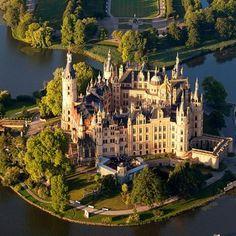 Schwerin castle, Germany (144 pieces)