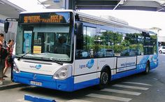 Nice Airport Bus - get to city center from the airport Express Bus, Airport Express, Barcelona 2016, Airport Shuttle, Airport Transportation, French Riviera, South Of France, Places To Visit, Nice