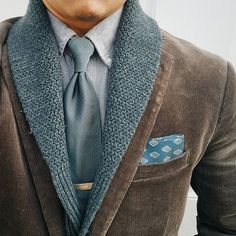 Jan 27, 2020 - This Pin was discovered by Jose Otero. Discover (and save!) your own Pins on Pinterest. Gents Fashion, Suit Fashion, Fashion Menswear, Sharp Dressed Man, Well Dressed Men, Olive Clothing, Men's Clothing, J Crew Jacket, Suit And Tie
