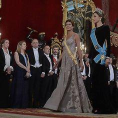 #AHORA @mauriciomacri y @juliana.awada en la #cena de #gala con los #Reyes de #España.