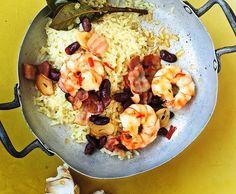 Padellata di riso con gamberi, fagiolini e pancetta