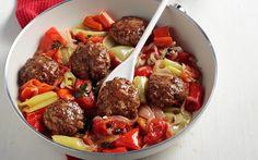 Cook-Kouk by Koukouzelis market:Μπιφτεκια μαγειρευτα με πιπεριες