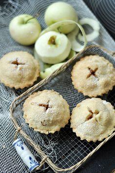 Kruche babeczki z jabłkami /  Apple Pies