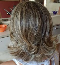 Blonde Layered Hair, Brown Hair With Blonde Highlights, Hair Highlights, Medium Hair Cuts, Short Hair Cuts, Medium Hair Styles, Curly Hair Styles, Hair Origami, Flicks Hair