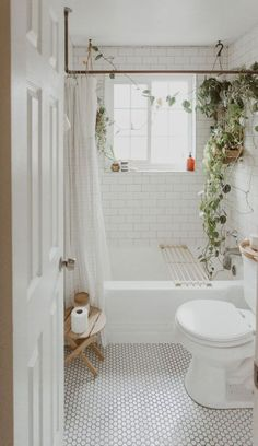 Home Decor Bathroom hygge home - hygge decor - homebody aesthetic - cozy bedroom - cozy living room - interior inspiration.Home Decor Bathroom hygge home - hygge decor - homebody aesthetic - cozy bedroom - cozy living room - interior inspiration White Bathroom Tiles, Small Bathroom Decor, Bathroom Tile Designs, Boho Bathroom, Trendy Decor, Bathroom Decor, Cozy House, Bathroom Design Inspiration, Hygge Decor