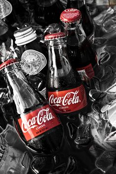 Coca Cola Bottles - Photo by Brenton Woodruff, Fine Artist Vintage Coca Cola, Coca Cola Tumblr, Coca Cola Wallpaper, Fred Instagram, Coca Cola Decor, Coca Cola Bottles, Glass Coke Bottles, Always Coca Cola, Sodas