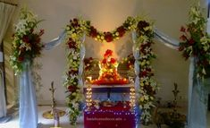 Best 21 Ganpati Decoration Ideas For Home 2019 Easy Ganesha wall hanging for Diwali home decor with metal bells and umbrella. This is a beautiful wood… Mandir Decoration, Ganpati Decoration At Home, Ganapati Decoration, Green Decoration, Diwali Decorations, Festival Decorations, Flower Decorations, Wedding Decorations, Malta
