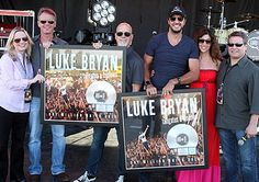 Luke Bryan Celebrates Platinum 'Tailgates & Tanlines' Album With Tailgate Party