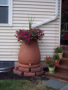 Customer Image Gallery for Good Ideas RWURN Rain Wizard Urn, 65-Gallon