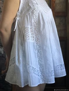 Use the under arm detail on any tank that is a little too loose in fit Cheap Fashion, Boho Fashion, Fashion Dresses, Womens Fashion, Fashion Ideas, Blouse Styles, Blouse Designs, Simple Pakistani Dresses, Casual Dresses