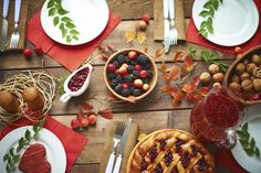 5 Healthy Thanksgiving Day Tips  Thanksgiving is a time when we celebrate overeating and indulging in some of the tastiest foods out there.  Sarah Lefkowitz, our NutriBullet RD, will show you how to keep it healthy without having to deprive yourself of anything you love to eat.  Gobble Gobble, Happy Thanksgiving!