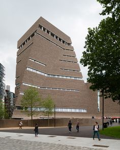 Tate Modern Switch House by Herzog & de Meuron opens to the public, photographed by Jim Stephenson Amazing Architecture, Contemporary Architecture, Architecture Design, Contemporary Art, Brick Masonry, Brick Facade, Brick Walls, Tate Modern Extension, Jacques Herzog