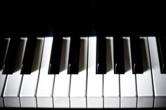 How to get stained piano or yellow piano keys white again. Stain may never go away, but a great way to brighten up an antique piano. Deep Cleaning Tips, House Cleaning Tips, Cleaning Solutions, Cleaning Hacks, The Piano, Home Design, Jessica Davis, Ivory Piano, Hardwood Floor Cleaner