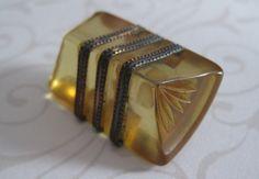 Vintage Bakelite Button..Metal Shank