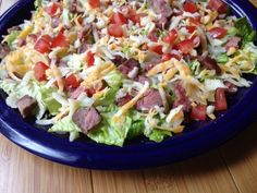 Steak salad with salsa dressing. Looks good. Might try Spicy Ranch dressing and add Black Beans.