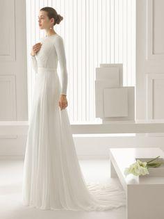فستان زفاف – ROSA CLARA – SIDON  Beaded tulle knit body and silk chiffon skirt with hemstitch detailing in a natural colour.