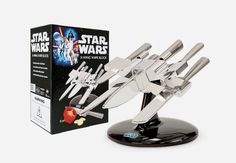 Star Wars X-Wing Knife Block Officially licensed Star Wars knife set looks like X-Wing spacecraft. Star Wars X-Wing knife block comes with stainless steel cook's knife, bread knife, carving knife, utility knife, and paring knife.