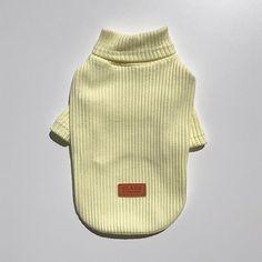 再入荷 🐾 待望の極小size XSも入荷しました♪ http://instagram.com/room_milletrois PET lib knit tops ♣︎ * お客様より御要望の多かった 極小size XSが入荷いたしました^ ^ 【size XS】 注意 ;)) 伸縮性のある生地素材を使用した商品のため 犬種や毛量にもより寸法に多少の誤差が生じることがございますので予めご了承くださいませ。 * 即納 国内発送。 * ▪️size ; XS, S, M, L, XL 〔pic着用プードル3kg Msize〕 * ▪️color ; pink , yellow 2カラー * お問い合わせやご購入はプロフィールよりonline SHOP もしくはDMよりご連絡下さいませ。 * 海外から買い付けしました 上質で他とないデザインのお洋服や小物を販売しております。 もちろんgift配送も可♪ わんちゃん,ねこちゃん どちらも着用可です♡ * これからまだまだ新作が増えますのでどうぞお楽しみに。…