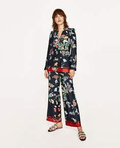 Image 1 of FLOWING DOUBLE BREASTED PRINTED BLAZER from Zara