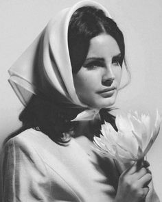 Elizabeth Woolridge Grant, Elizabeth Grant, Queen Elizabeth, In The Pale Moonlight, Brooklyn Baby, Popular People, Famous People, Moving To California, Light Of My Life