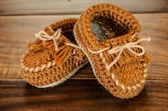 Crochet Minetonka Moccasins Baby Bootie in Tan size 3-6 months