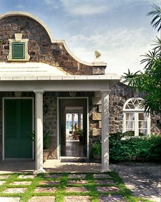 douglas friedman photography Love the grass around the stone squares! House By The Sea, My House, Beautiful Buildings, Beautiful Homes, Dream Beach Houses, Dutch Colonial, Stone Houses, Coastal Living, Architecture Details
