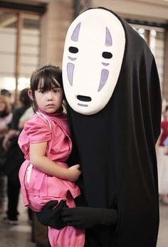 Disfraz de Chihiro: porque ambos crecieron con Miyasaki. | 24 Hijos de frikis con los mejores disfraces para Halloween