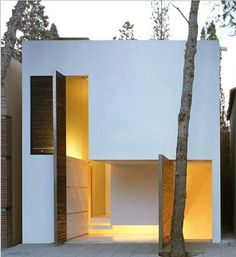 106 Cube-Shaped House Inspirations with Modern Designs https://www.futuristarchitecture.com/4175-cube-shaped-houses.html #cube #cubical