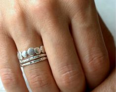Gold and Silver Pebble Ring Set Stacking Ring par ColbyJuneJewelry