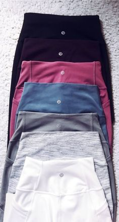 want a pair of the Align II lulu pants in Charcoal grey or black, that are high waisted and long!I want a pair of the Align II lulu pants in Charcoal grey or black, that are high waisted and long! Cute Comfy Outfits, Trendy Outfits, Mode Outfits, Fashion Outfits, Gym Outfits, Fashion 2018, Fall Fashion, Fashion Clothes, Style Fashion