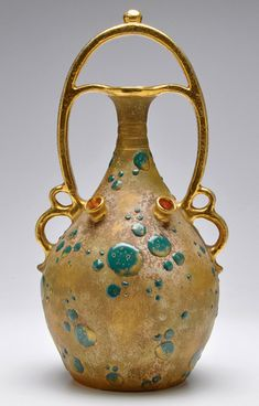 Amphora-art-vase.jpg-433px-677px
