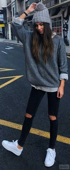 Tendances automne hiver 2017-2018 | Grey beanie, White sneakers …
