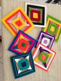 Resultado de imagem para mandala tejido 6 puntas Dreams Catcher, God's Eye Craft, Fun Crafts, Arts And Crafts, Gods Eye, Crafts For Seniors, Crochet Kitchen, Collaborative Art, Crochet Mandala