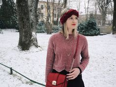 fashionblogger, fashionblog, winter outfit, red chenille sweater, black miniskirt, red headband, style inspiration, christmas outfit