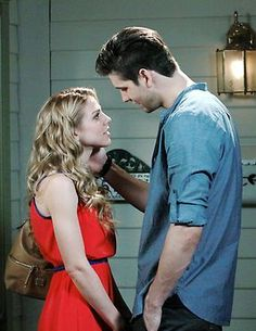 Chad and Abigail kiss! Days Of Our Lives, Day Of My Life, Casey Deidrick, Kate Mansi, Chad And Abby, Kiss Day, Soap Opera Stars, Casting Pics, Film Music Books