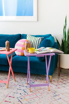 Cute Furniture, Furniture Makeover, Tv Decor, Diy Home Decor, Wooden Tv Trays, Tv Tray Makeover, Home Modern, Sweet Home, House Inside