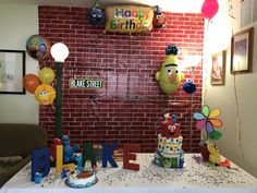 Elmo First Birthday, Winter Birthday, 3rd Birthday Parties, Birthday Ideas, Sesame Street Signs, Elmo Sesame Street, Sesame Street Birthday, Elmo World, Sesame Streets