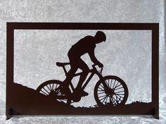 Cycliste VTT - cadre silhouette en bois