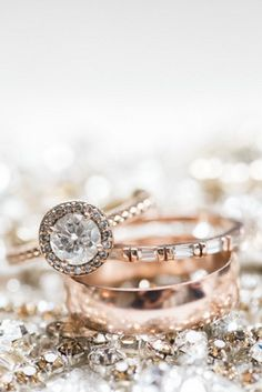 Vintage Rings diamond round cut vintage wedding engagement rings 20 Vintage Engagement Rings You Will Love Forever 16 Subtle Engagement Rings for Girls Who Vintage Inspired Engagement Rings, Rose Gold Engagement Ring, Wedding Engagement, Round Diamond Ring, Halo Diamond, Round Diamonds, You Are My Moon, Wedding Jewelry, Wedding Rings