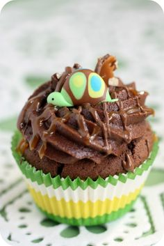 Turtle Cupcake can be a beach theme idea for a party or take the turtle off and its a yummy cupcake with a chocolate turtle candy inside!