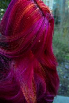 Virally recognized rainbow hair and multi-colored hair dye by Manic Panic Dye Hard and FL based DIY hair artist, Lizzy Davis. Pink And Orange Hair, Purple Hair, Colored Hair Styles, Bright Colored Hair, Pretty Hair Color, Beautiful Hair Color, Cabelo Inspo, Unnatural Hair Color, Pink Lila