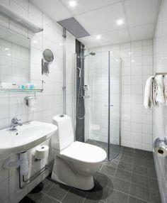 Small Bathroom, Toilet, Bathtub, Small Shower Room, Standing Bath, Flush Toilet, Bathroom Small, Bathtubs, Tiny Bathrooms