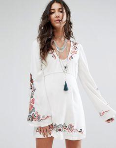 Free People - Holiday - Folklore-Kleid mit ausgestellten Ärmeln - Weiß Jetzt bestellen unter: https://mode.ladendirekt.de/damen/bekleidung/kleider/sonstige-kleider/?uid=d7493c0f-508f-5d99-8be8-db4233ede714&utm_source=pinterest&utm_medium=pin&utm_campaign=boards #sale #sonstigekleider #kleider #abendkleider #female #bekleidung