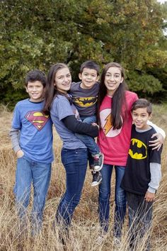 Family Photo Shoot Idea: Super Hero Shirts!Capturing-Joy.com