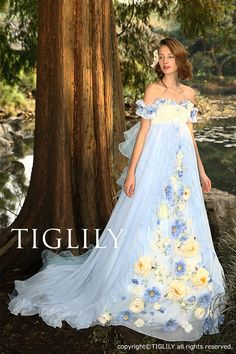 Fantasy takes flight in these beautiful gowns - ティグリリTIGLILYお花のカラードレスc118