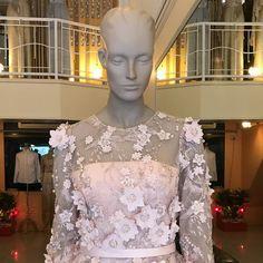 ชุดไทย มีแขน ชุดไทยประยุกต์แขนยาว มาใหม่ Mother Of The Bride, African Fashion, Congratulations, Baby, Wedding, Dresses, Mother Bride, Valentines Day Weddings, Vestidos