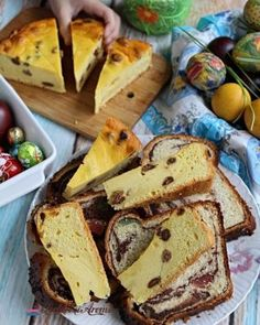 Cremă caramel cu mascarpone pentru torturi și prăjituri - Lecturi si Arome Ricotta, Cornbread, Caramel, Sandwiches, Deserts, Dessert Recipes, Healthy Recipes, Diet, Cake